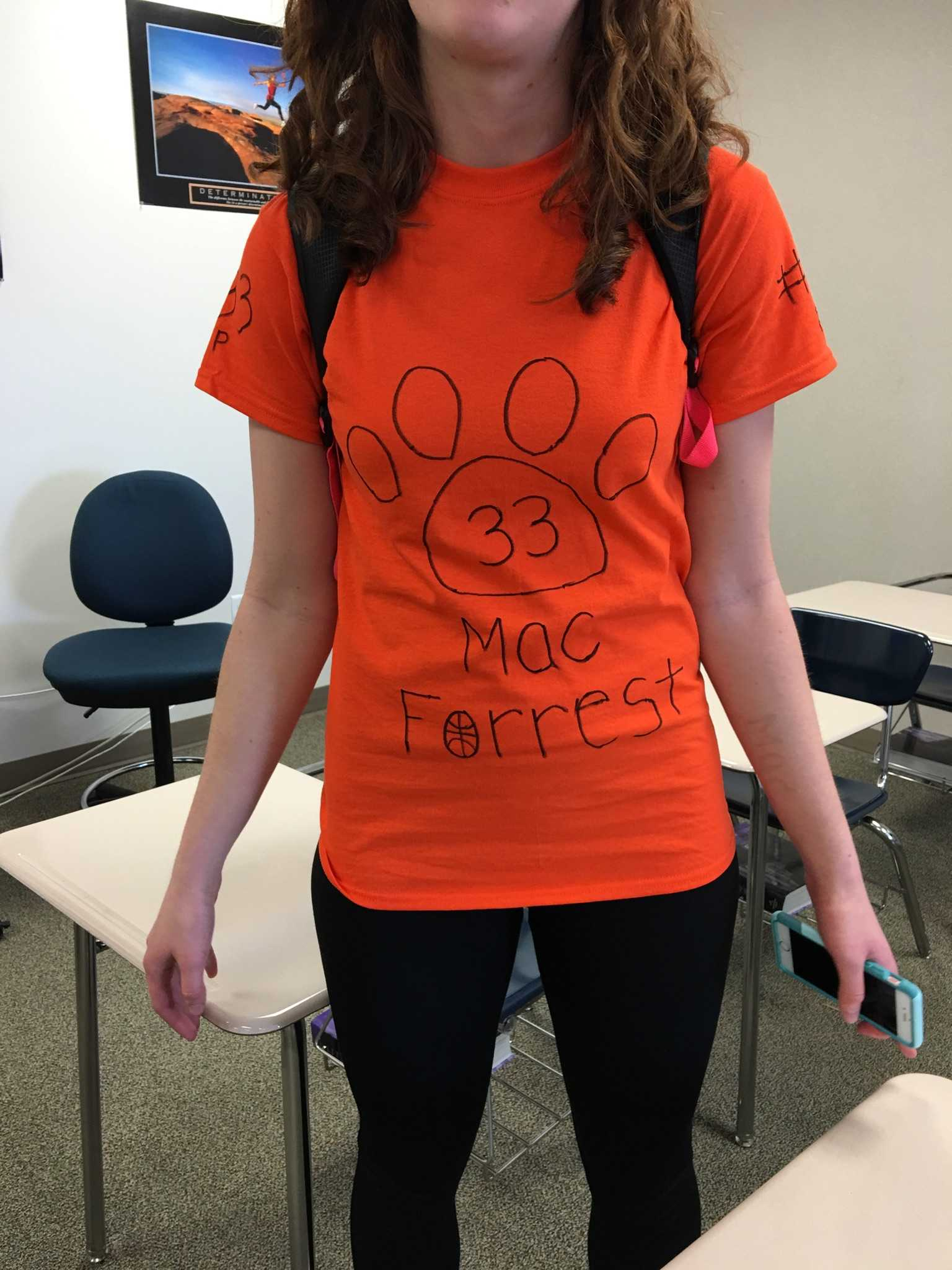 Hannah Weber wears her Lakewood colors to show her respect towards Mac.